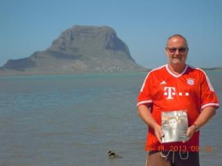 FCB vor dem Berg Le Morne