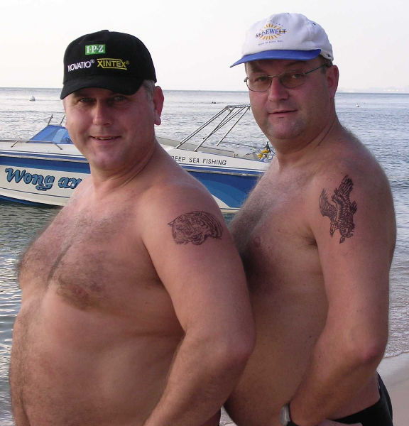 2003-11-27-trainingslager-thailand-tatoo-show