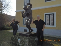 2011-11-13-leibnitz-judo-em-besuch-des-schwarzenegger-museums-in-thal-bei-graz