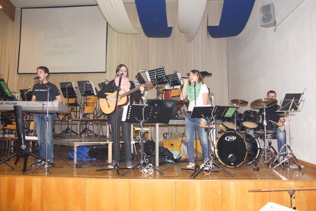 Nachwuchsband spielt zum Tanz auf