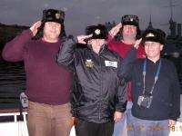 2004-st-petersburg-em-wir-grüssen-die-aurora-vom-schiff-aus
