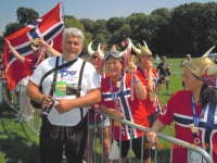 2011-ny-police-games-eröffnung-norweger-stehen-auf-lederhosen