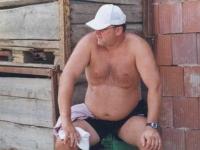 2003-08-15-jahnwanderung-leonding-der-obmann-ist-geschafft-ist-geschafft-die-kiste-auch