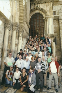 2013-11-25-jerusalem-grabeskirche-bus-gruen