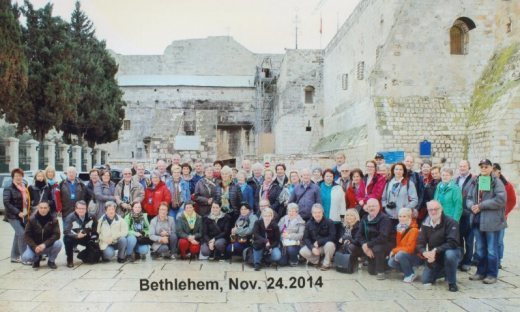 2014 11 24 Bethlehem Geburtskirche Bus grün