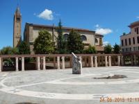 Sonnenuhr mit Kathedrale von Abano Therme