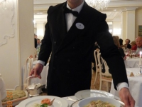 Unser Kellner im 5 Sterne Hotel Due Torri