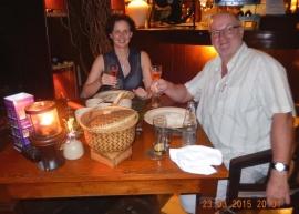 23 03 Indonesisches Abendessen im Hotelrestaurant