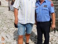 2015 10 02 Burg Berat Kollege Polizist