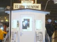 Am weltberühmten Checkpoint Charly