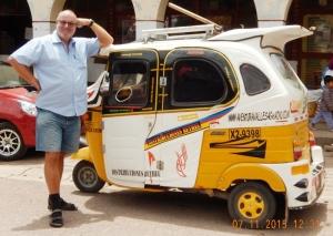 2015 11 07 Taxi in Pisaq gefällig