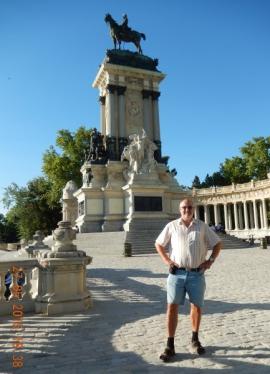 27 05 Retiro Park - Monument Alfons XII