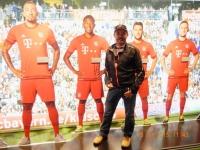 FC Bayern Erlebniswelt Sportler unter sich