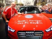 FC Bayern Erlebniswelt ein schoenes Auto