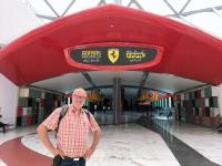 2016 10 27 Abu Dhabi Ferrari World Eingang