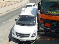 2016 10 27 Abu Dhabi_dieser Unfall verursachte riesen Stau