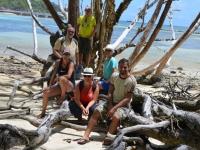 2016 11 02 Expeditionsteilnehmer auf der Schildkröteninsel Curieuse