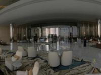 2016 10 26 Abu Dhabi Besuch Etihad Towers mit riesigem Barbereich