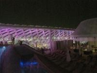 2016 10 27 Abu Dhabi Yas Viceroy Hotel mit Dachpool