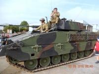 Empfang mit einem Panzer