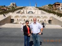 2016 10 15 Jerevan Kaskaden mit Reiseleiterin Srbuhi