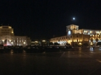 2016 10 16 Jerevan Nächtlicher Platz der Republik
