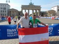 2016 09 25 Vor dem Brandenburger Tor mit der Finisher Medaille