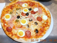 mit Pizza Aida