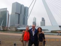 2016 08 20 Rotterdam Erasmusbrücke mit RL Monique und Kreuzfahrtdir Codruta