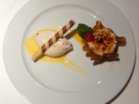Dessert Knuspriges Haselnussparfait