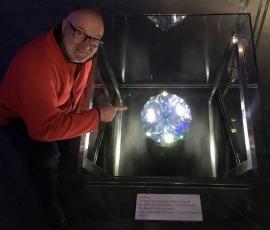 2016 12 11 Swarovski Größter von Hand geschliffener Kristall der Welt
