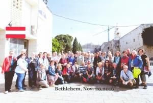 2016 11 20 Bethlehem Geburtskirche Bus rot