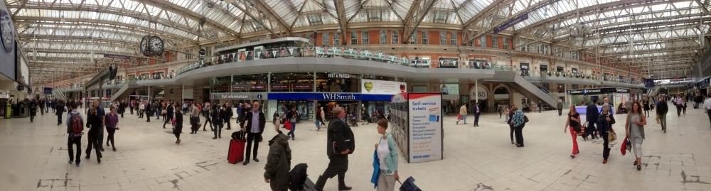 2016 06 14 Ankunft am riesigen Bahnhof London Waterloo