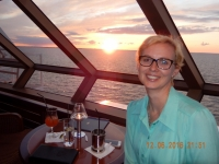 2016 06 12 Sonnenuntergang in der Bar Commodore Club am Schiff vorne
