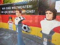 Lukas Podolski und Gerd Müller