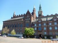 2016 05 12 Kopenhagen Wir parken gegenüber dem Rathaus