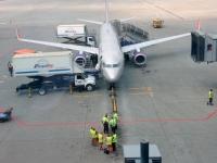 Unser Flieger wird in Moskau beladen