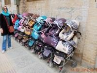 2016 03 14 Yazd Iranischer Kinderwagenpark