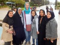 2016 03 15 Shiraz Mausoleum vom Dichter Saadi Gruppenfoto mit Jutta