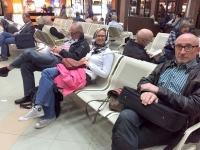 2016 03 17 Shiraz Flughafen_warten auf den Abflug um 02 30 Uhr
