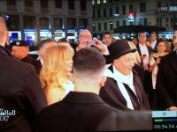 Papparazzi Stutz beim Empfang von Goldie Hawn mit Richard Luger