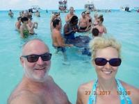 2017 03 27 Grand Cayman Rochenschwimmen mit vielen anderen Gästen
