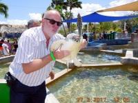 2017 03 27 Grand Cayman Schildkrötenfarm mit Bussi