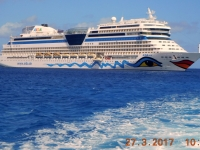 2017 03 27 Grand Cayman tendern von unserer AIDAmar