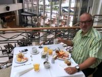 2017 05 11 Frühstück im netten Atrium des Grand Hotel Portoroz