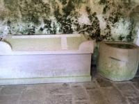 Sarkophag im Keller