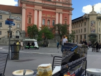 Kaffee und Kuchen am Hauptplatz