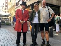 2017 06 07 Bilbao Hotelconcierge und Kerstin von der Agentur