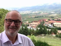 2017 06 09 Laguardia mit Weingut im Hintergrund