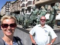 2017 06 10 Pamplona Stierlaufdenkmal